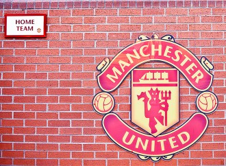 Manchester United looks for new players