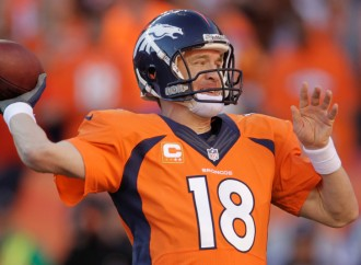 Peyton Manning set a new record by crossing the 70,000-yards mark