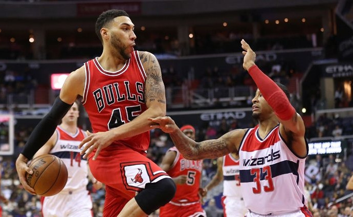 Denzel Valentine makes eight threes in Windy City Bulls win