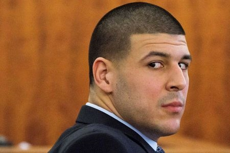 Notes found by ex-NFL star Hernandez's body turned over to family