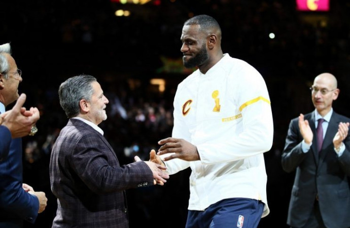 Cavs owner Dan Gilbert is failing to prove his worth to LeBron