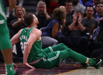 Boston Celtics forward Gordon Hayward suffers fractured left ankle