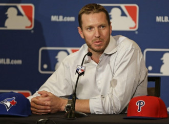 Roy Halladay killed in plane crash at age 40