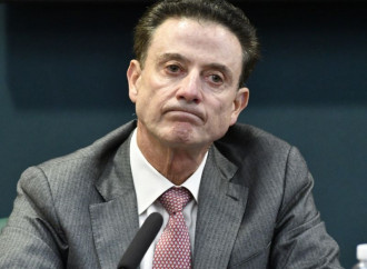 Indictment alleges Rick Pitino knew about plan to pay Louisville recruit and participated in it