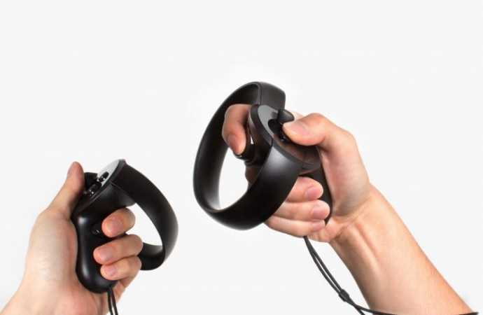 Oculus Touch review: The handiest VR controller yet