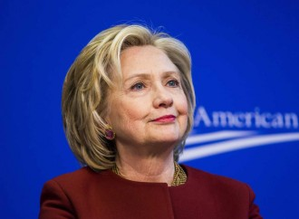 Clinton's Finance reform campaign causes discussions