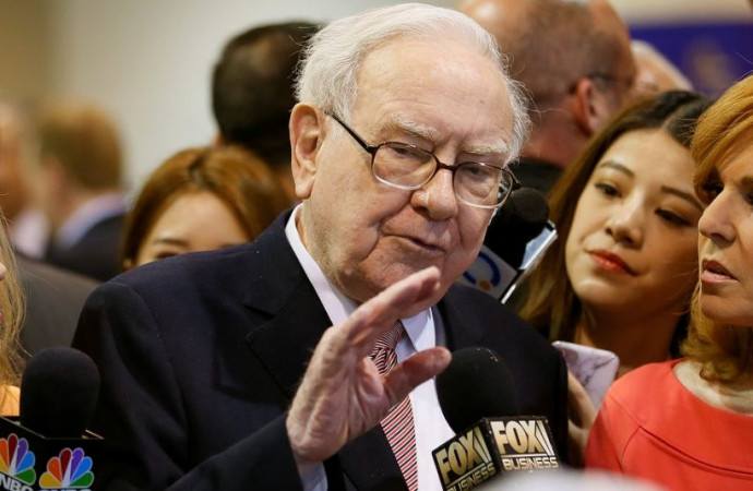 'That $9.5 billion is real': Buffett explains how a Trump tax cut would help Berkshire
