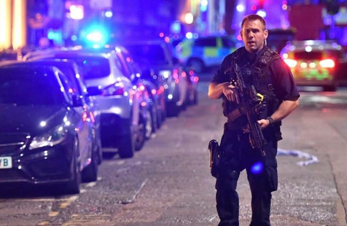 Trump calls for 'travel ban' amid London terror attacks